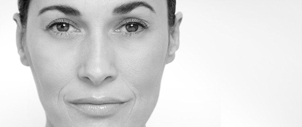 Обличчя жінки крупним планом a0aff0ba597bf
