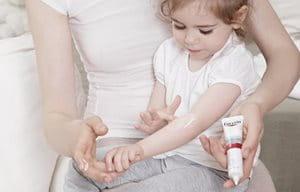 Заспокійливий крем для атопічної шкіри Eucerin AtopiControl значно поліпшує  зовнішній вигляд шкіри під час загострень. 7dd94fddd62f9